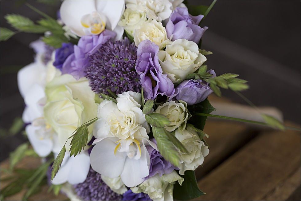 brudebuket, blomsterbinderi, interflora leverandør vejle, blomster buket,