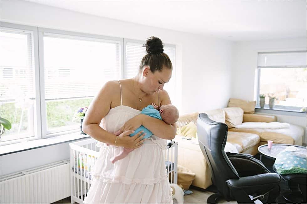 Nyfødt baby fotograf Tine hvolby36